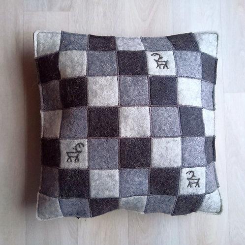 "Cushion cover ""ruutu"" dark grey - 35x35"