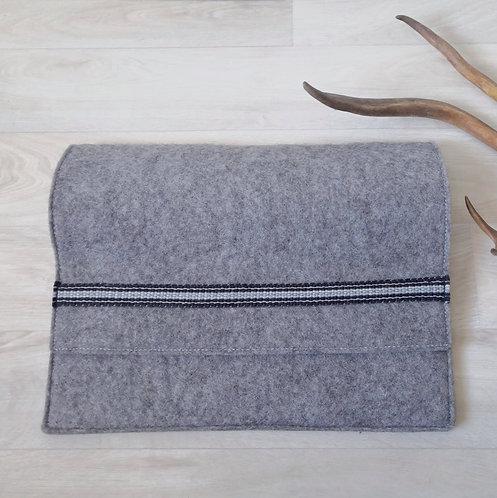 Laptop sleeve - winterly grey