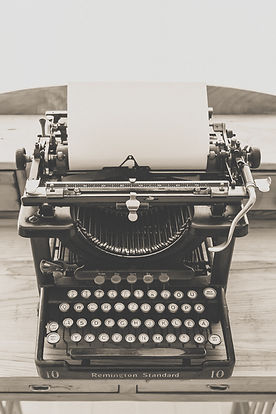 black-vintage-typewriter-163084.jpg