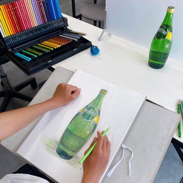 瓶 色鉛筆画 中学3年生。色鉛筆画初挑戦。