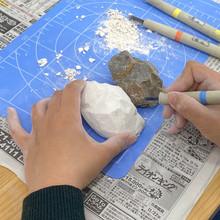 本物そっくりの石作り デッサン力を高める訓練。 制作の様子