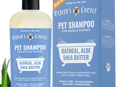 Dog shampoo with oatmeal and aloe