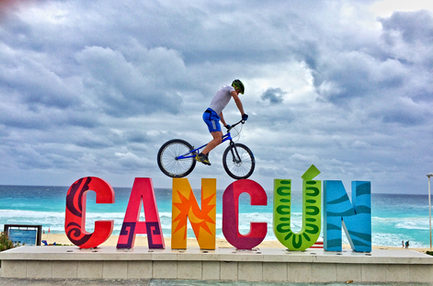 Trevor Bodogh - Cancun Sign