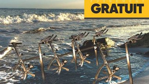 Aquabike géant en mer