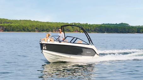Activ 605 Bowrider by Quicksilver: more space for adventure