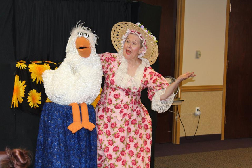Mother Goose (aka Nancy Jean) stopped by the Aliante Library to show off her adorable puppets during the 2017 Summer Reading Program.
