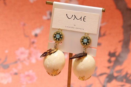 KUKUI earrings_white