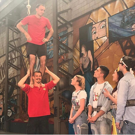 Hello, Up there! 👏🎭🌟💥_sydneytrapezes
