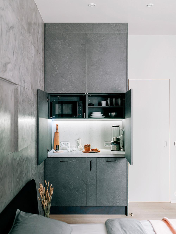 Мини кухня-шкаф в интерьере, дизайнер Ирина Ежова