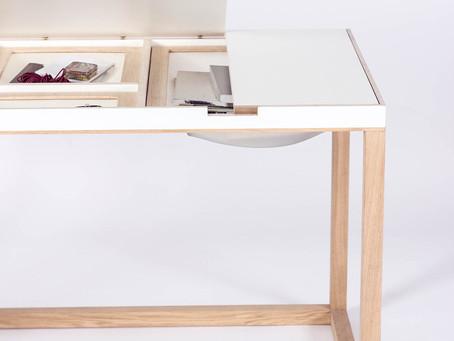 Вместительный письменный стол, почти как пеликан) или нестандартный взгляд на природу вещей