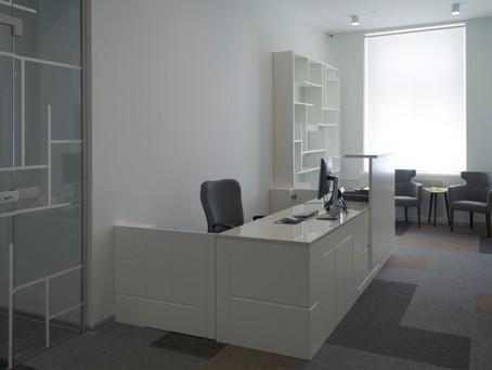 Графика в интерьере офиса