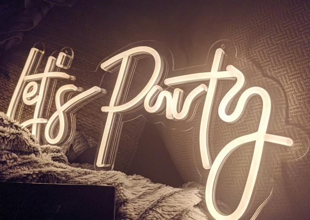 Epic Walls_Lets Party