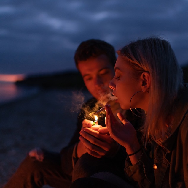 couple smoking.jpg