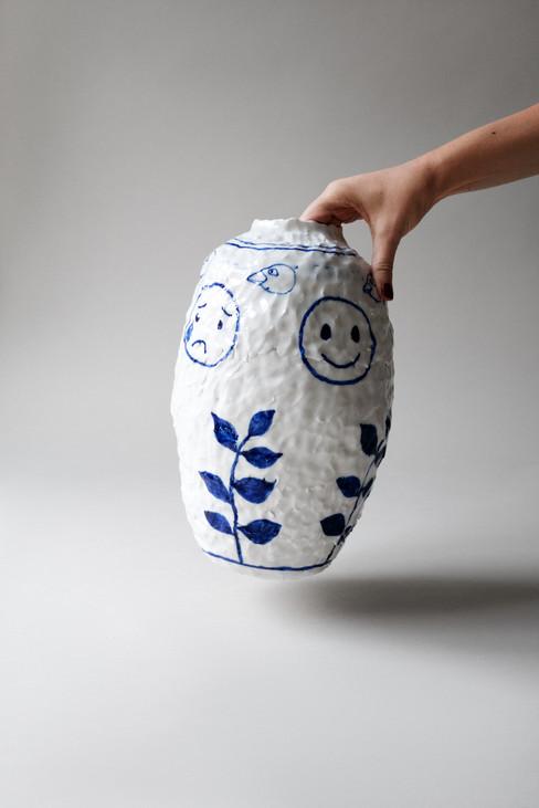 Sofi-Gunnstedt-Emoji-Vase-Hand.jpg