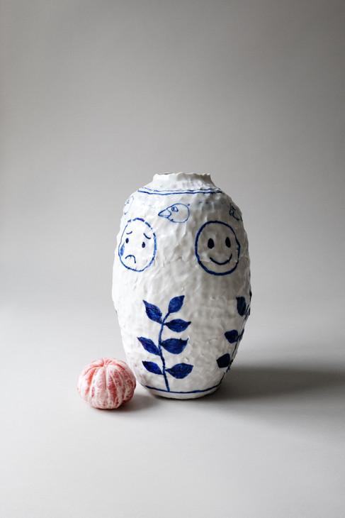 Sofi-Gunnstedt-Emoji-Vase-Size.jpg
