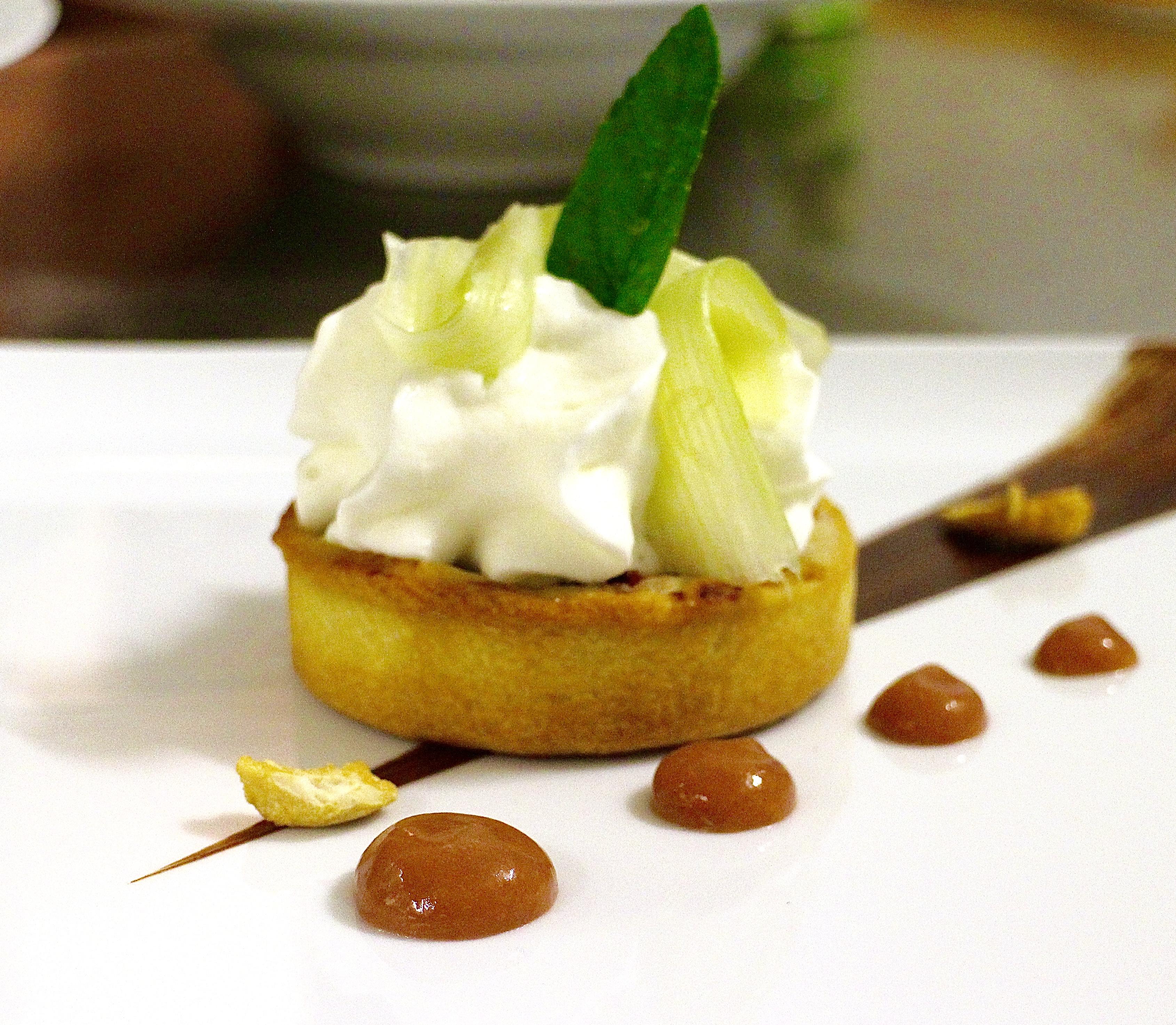 Tartelette à la Rhubarbe, Spoom au Lait d'Amande