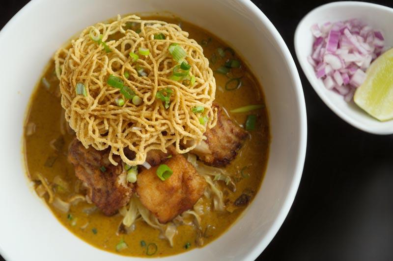 Khao Soy Pla