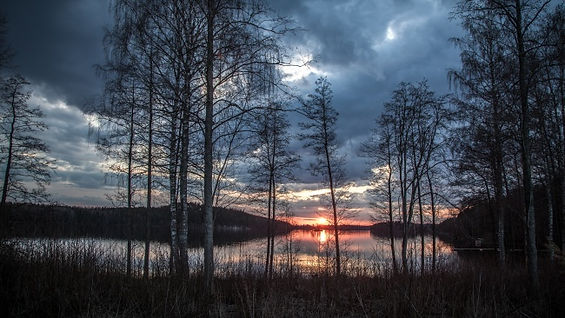 lake-scenery-1365288.jpg