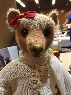 Hugglets 2017 Antique Bear on the Loved Before Display