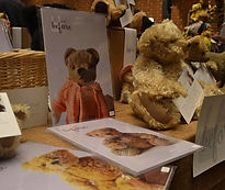 Hugglets - Winter Bearfest 2018 - Lovd Befor Display Table and Products