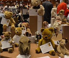 Hugglets 2018 - Table Full of Second Hand Soft Toys Loved Befores