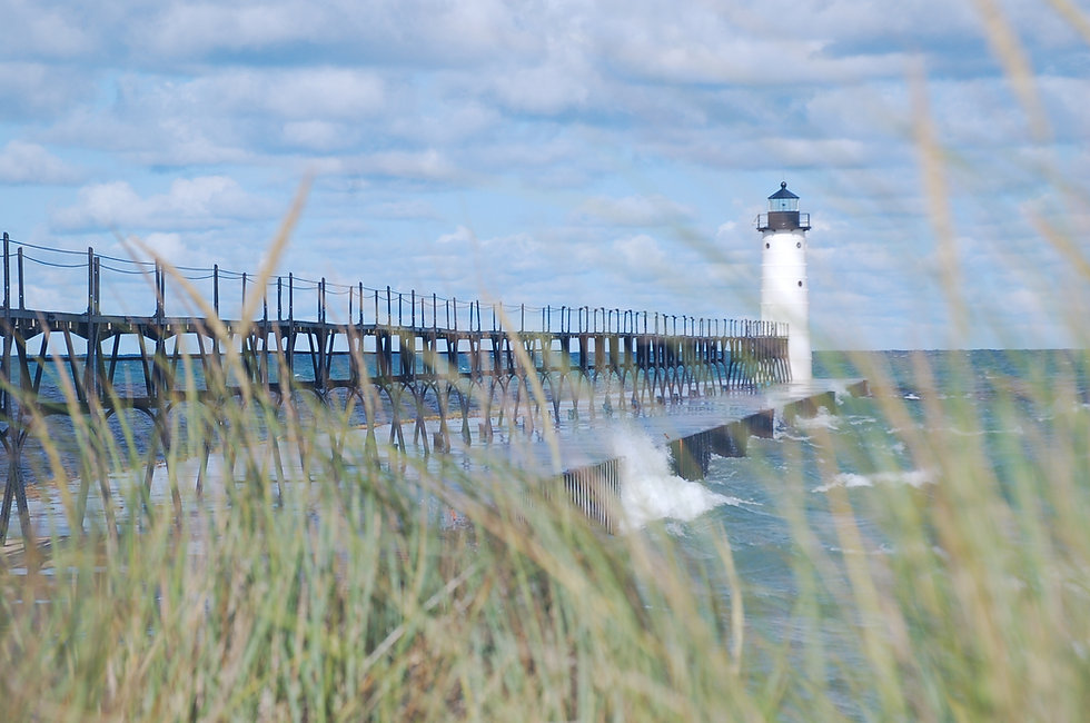 Lighthouse0020 Manistee5thAve 20170823 b