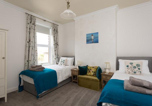 08 Twin Bedroom.jpg