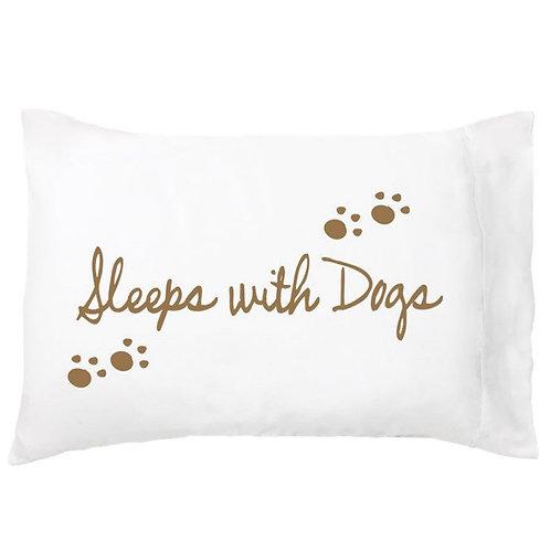 'Sleeps With Dogs' Dreamy Pillowcase - Single