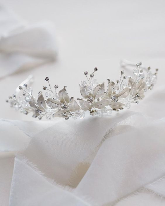 wedding-tiaras-cyprus-nicosia.jpg