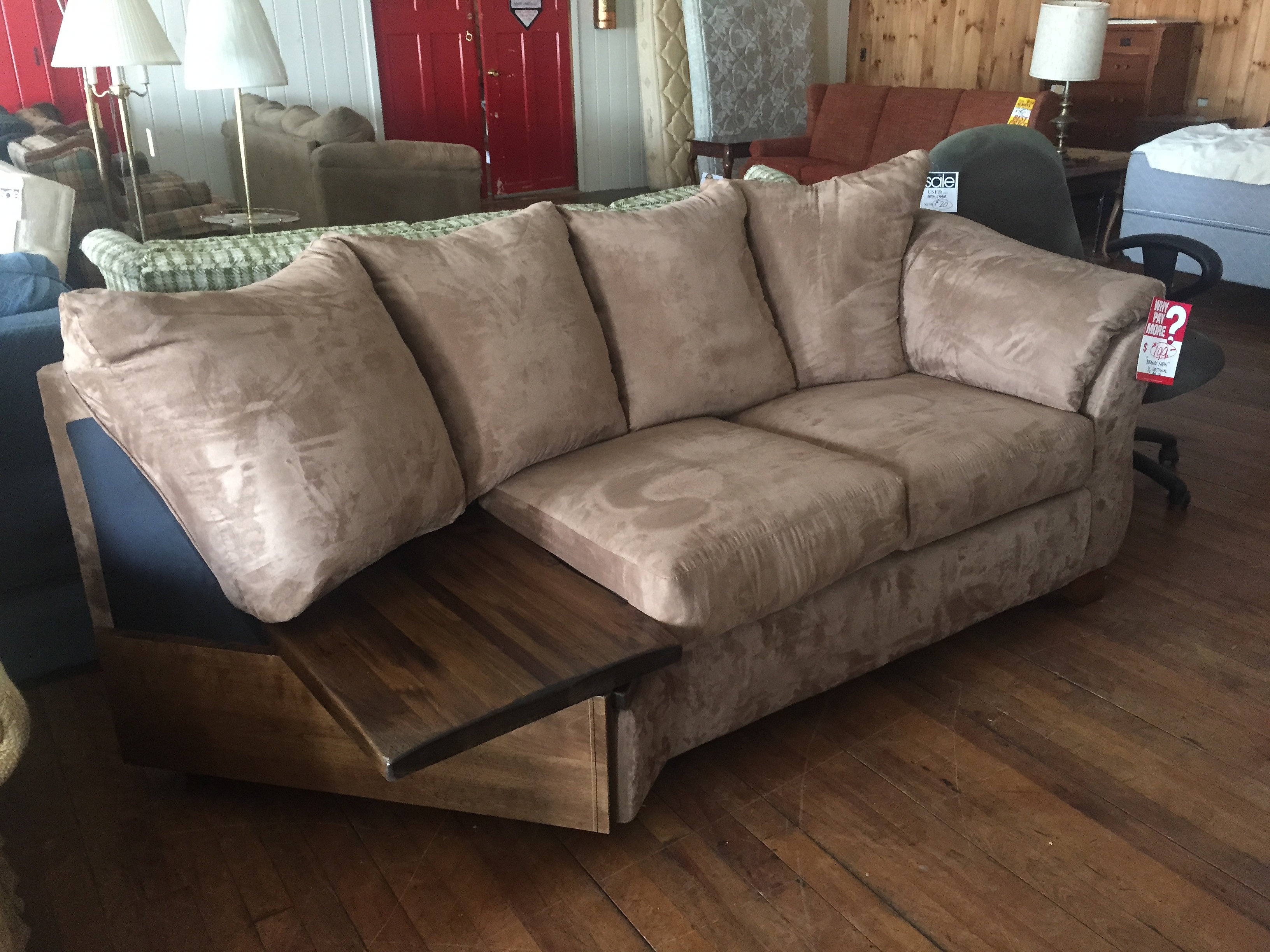 PH Edwards Furniture Hyde Park Vermont Sectional with Table