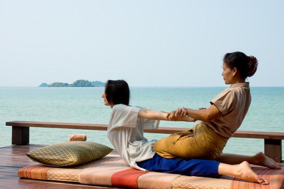 Ayurvana-Beach-Massage-11350.jpg