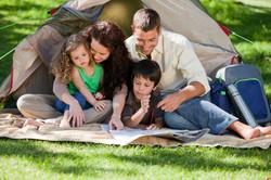 famiglia-al-campeggio