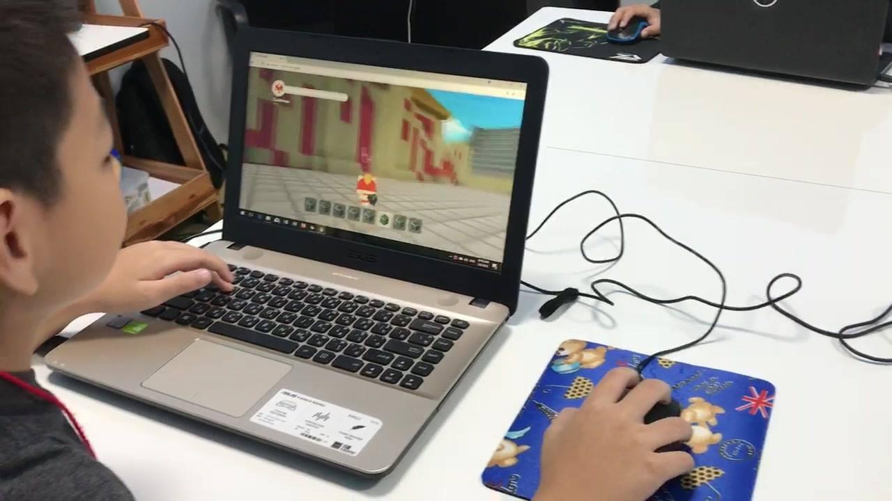 เด็กๆสนุกกับการทำเกม3มิติ ด้วย CODE.GAME