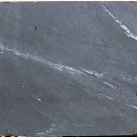 Black Moon B328 116x61.JPG