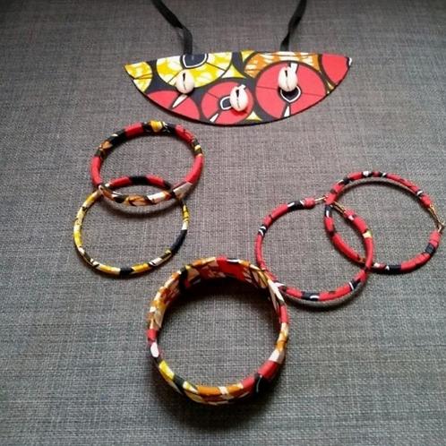 Parure Collier+Boucle d'Oreilles et Bracelets Rouge
