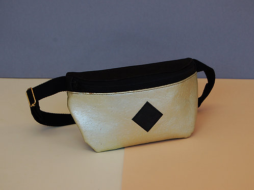 "Hipbag ""Nori"", black-gold"