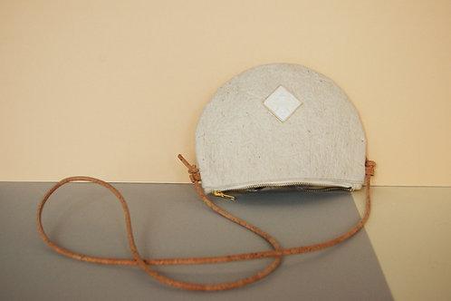 """Handtasche """"Moonbag"""", compact, Piñatex™ natural"""