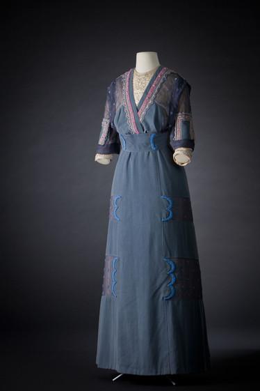 Jeanne Lanvin 1909 Blue silk dress