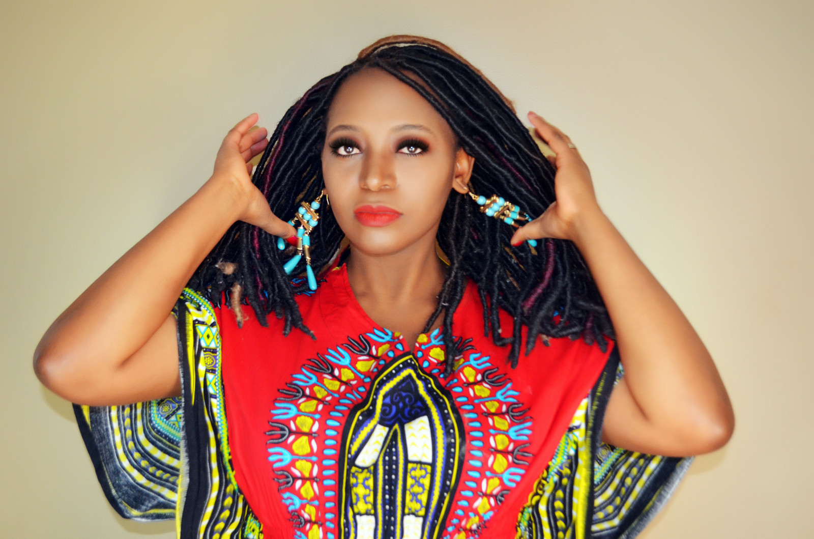 African Entertainer | Singer&Songwriter | Myra Maimoh | United States