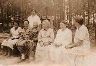 1930's Ladies Aid members.webp
