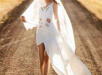 Model China dengan Kaki Super Panjang yang Jadi Sensasi di Internet