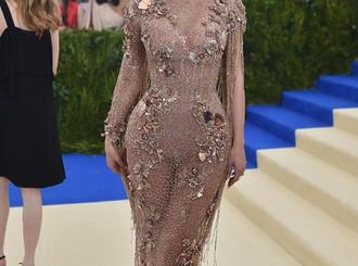 Bukan Kylie Jenner, Ini Seleb yang Wajahnya Ditiru Saat Operasi Plastik