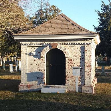 featured-receiving-tomb.jpg