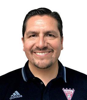 Roberto Headshot.jpg