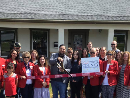 East Parker County Chamber of Commerce Hosts Ribbon Cutting
