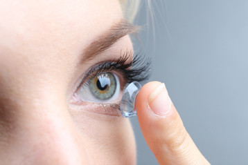 Ophthalmologist finds 27 Missing Contact Lenses in Eye