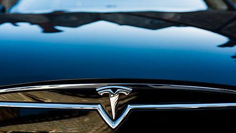 Arrive in Style_Tesla S.jpg