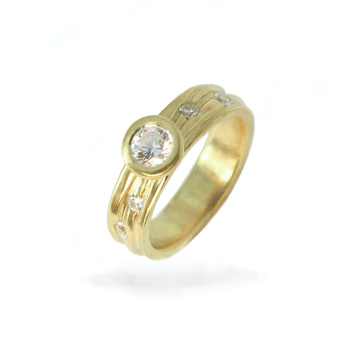 Flow Solitaire Ring