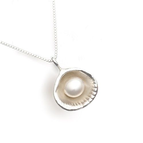 Clam & Pearl  Pendant