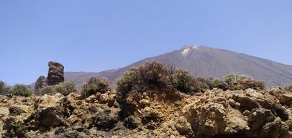 Teide w lekkiej calimie.jpg